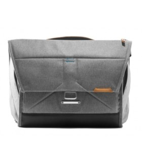 The Everyday Messenger 13 v2 - Gris ceniza